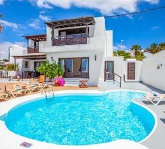 villa med pool lanzarote