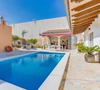 villa med pool mallorca, feriebolig med privat pool